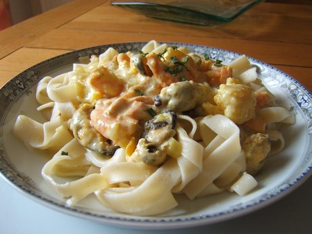 Recette tagliatelles aux fruits de mer et sa cr me safran la cuisine de martine - Tagliatelles aux fruits de mer recette italienne ...