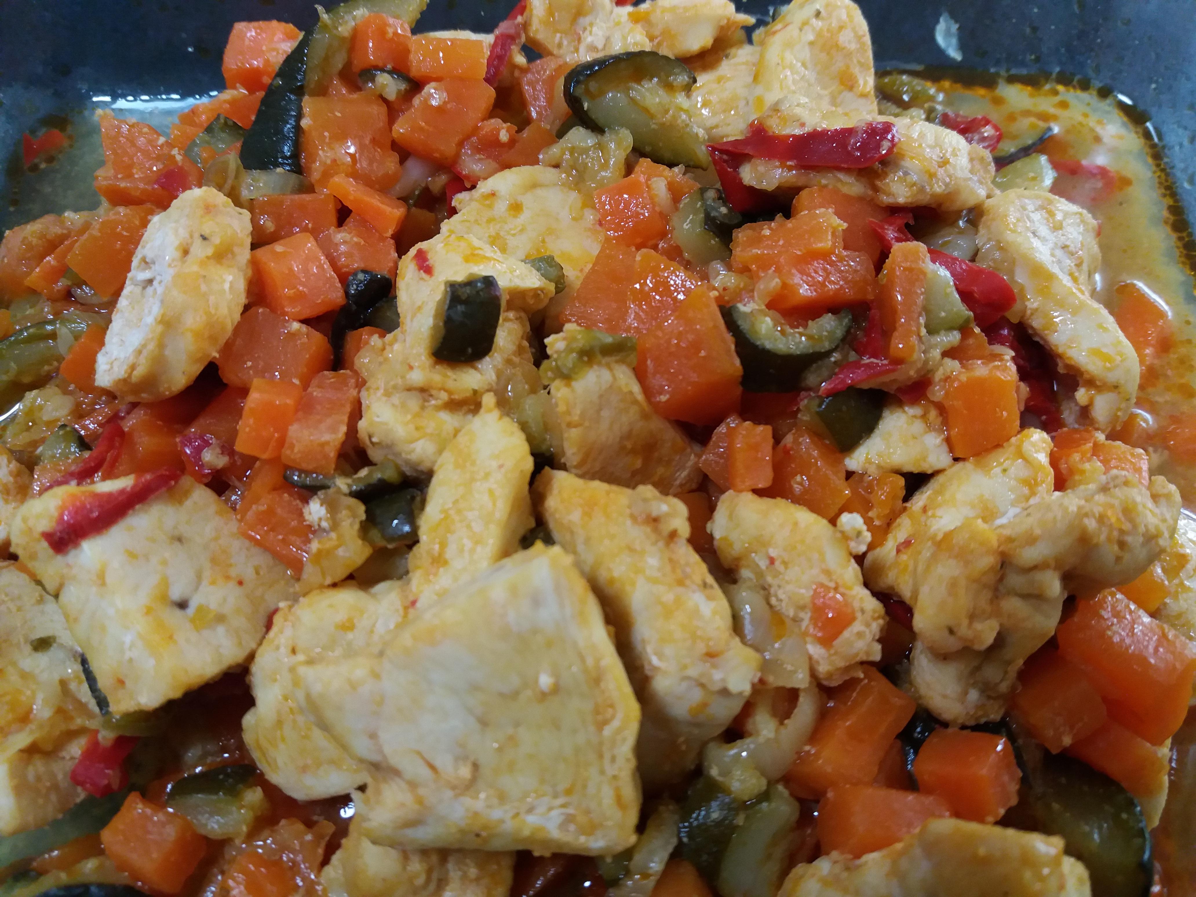 Poêles de poulet aux légumes